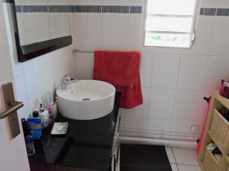Rental apartment St francois 800€ CC - Picture 9
