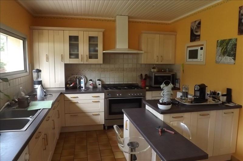 Sale house / villa Montpon menesterol 223000€ - Picture 2