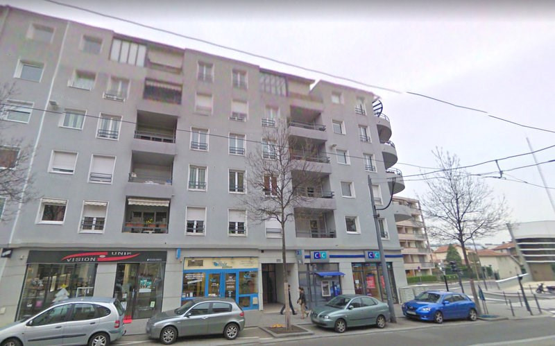 Location appartement Bron 890€ CC - Photo 2