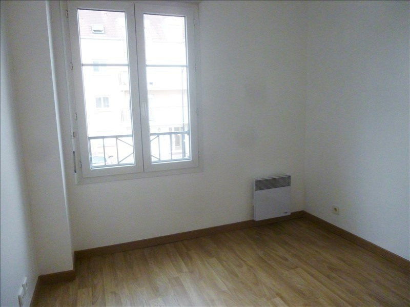 Location appartement Voisins le bretonneux 870€ CC - Photo 4