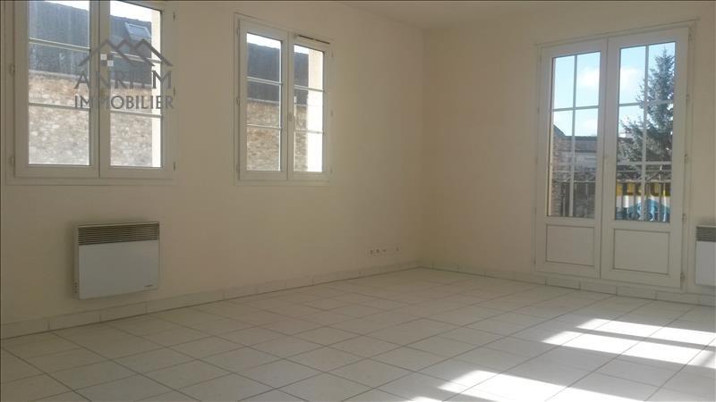 Rental apartment Plaisir 760€ CC - Picture 2