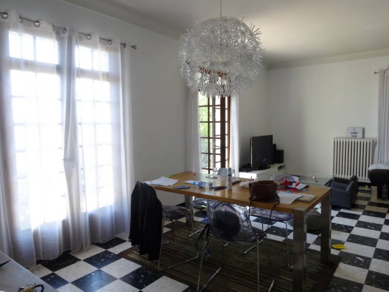 Location appartement Villeneuve-les-avignon 880€ CC - Photo 4