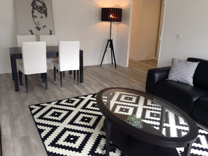 Location appartement Fontainebleau 1 790€ CC - Photo 2