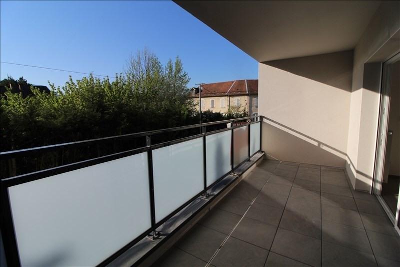 Locação apartamento Voiron 760€ CC - Fotografia 1