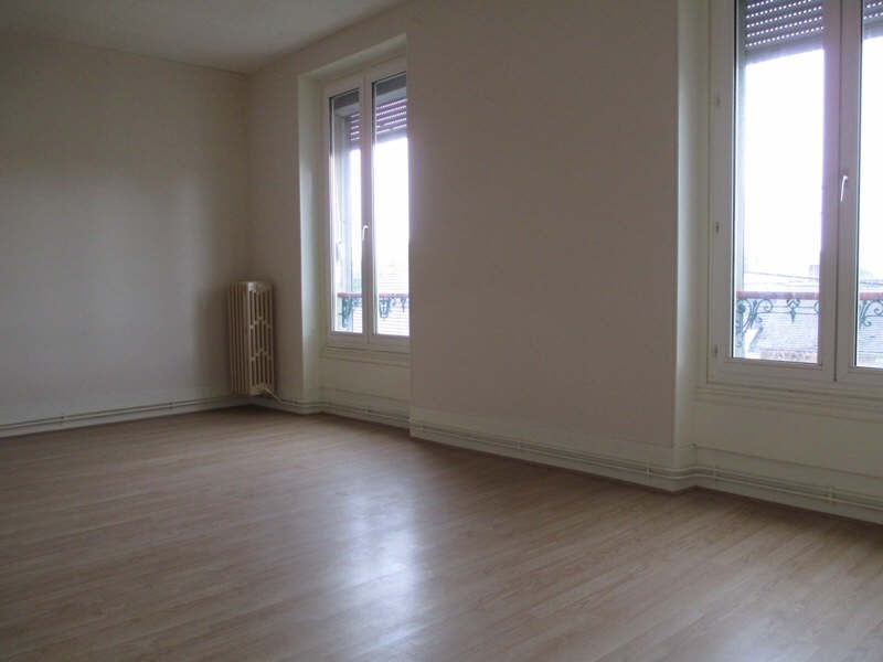 Rental apartment Neuilly en thelle 610€ CC - Picture 1