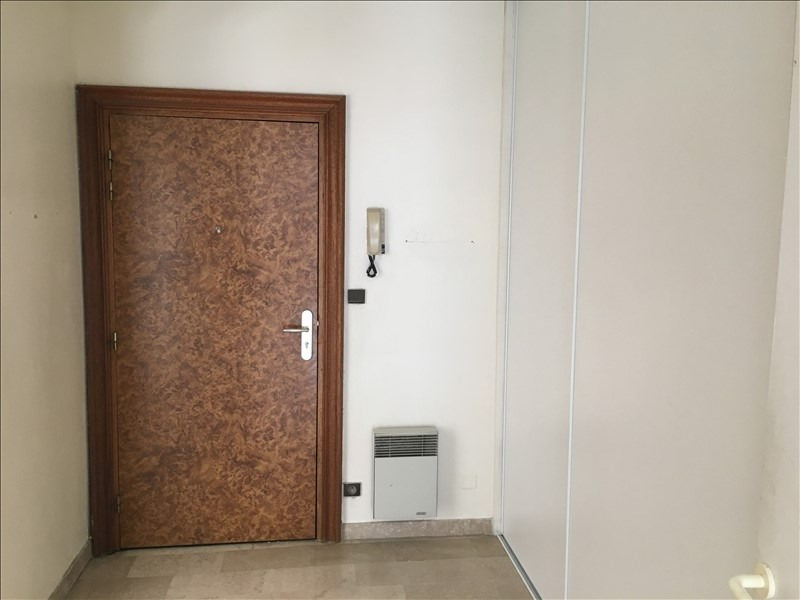 Rental apartment Nimes 936€ CC - Picture 2