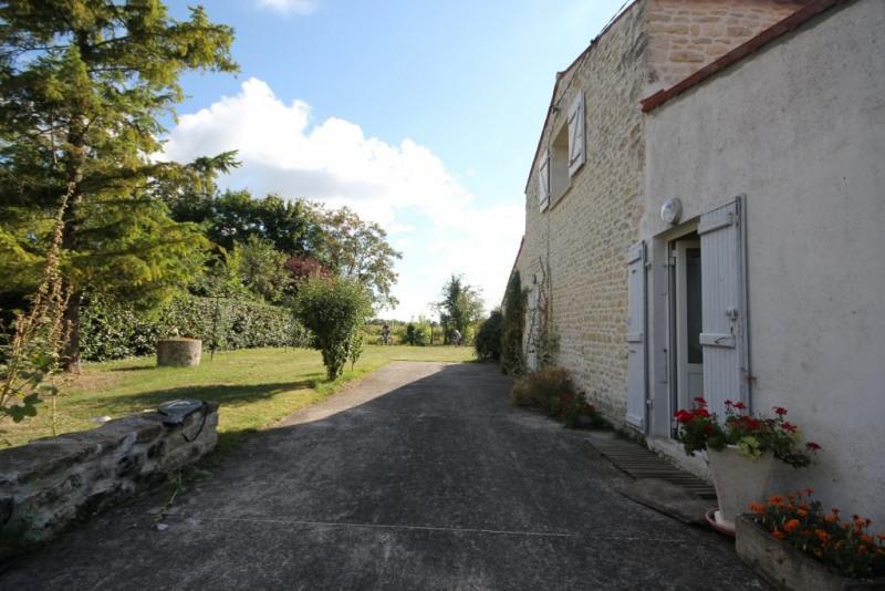 Sale house / villa Le poire sur velluire 137500€ - Picture 3