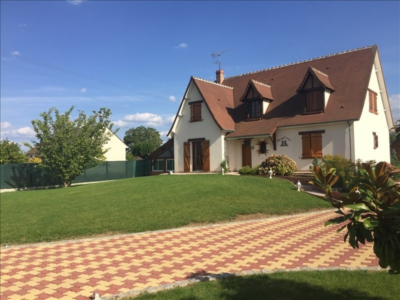 Sale house / villa Mer 302000€ - Picture 1