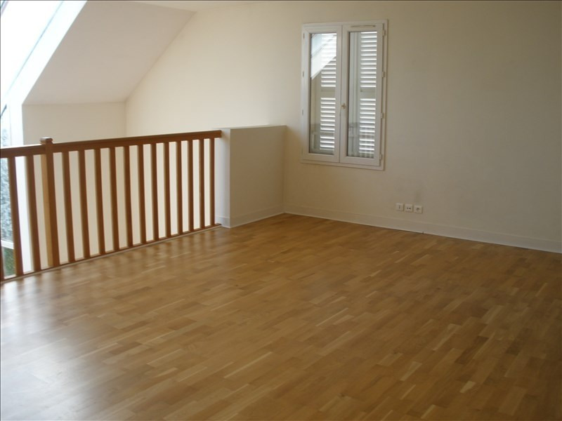 Location maison / villa Parmain 2 150€ CC - Photo 5