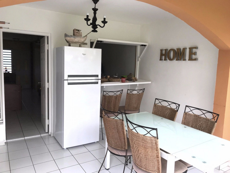 Location appartement Saint francois 850€ CC - Photo 2
