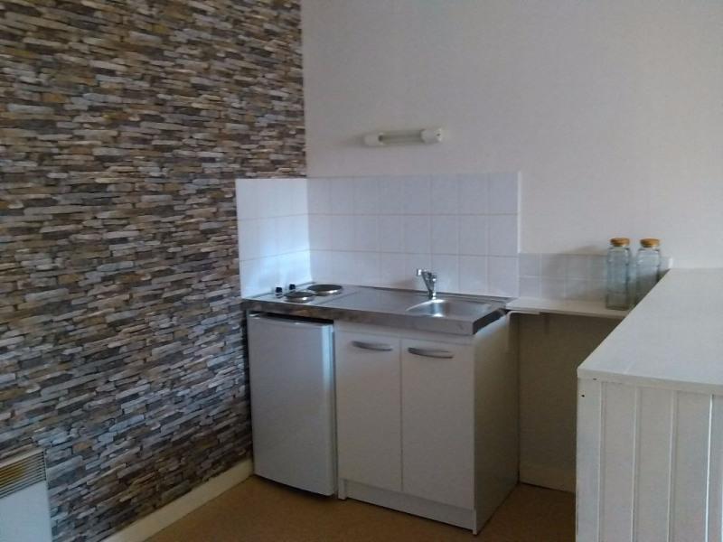 Location appartement Laval 303€ CC - Photo 1