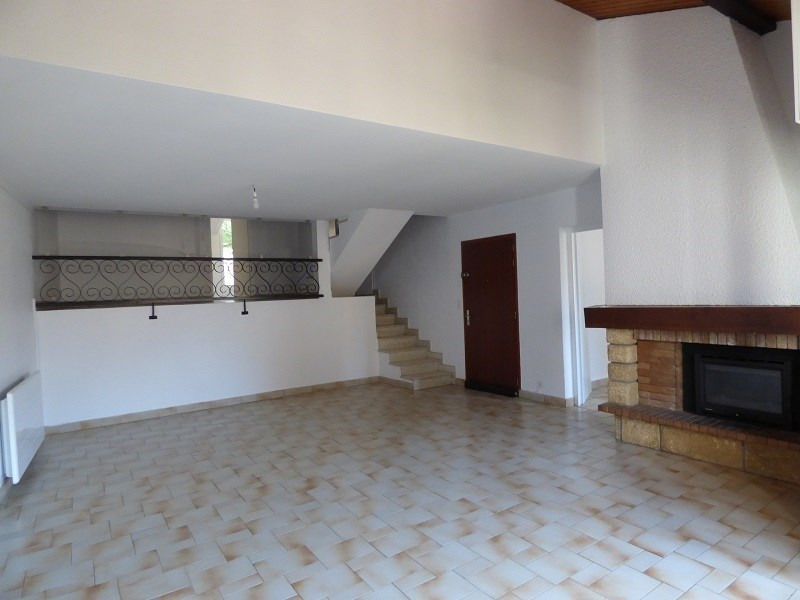 Rental apartment Aix les bains 1010€ CC - Picture 1