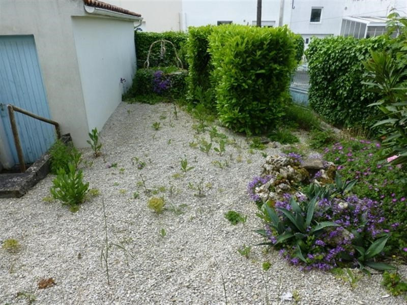 Sale house / villa St jean d angely 117100€ - Picture 5