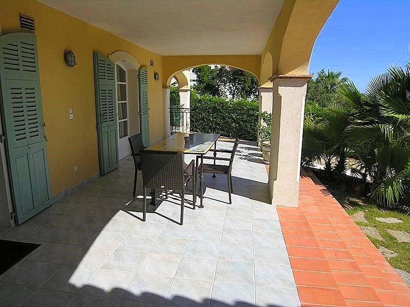 Life annuity house / villa Les issambres 800 000€ - Picture 8