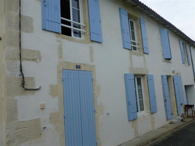 Rental house / villa Saint-jean-d'angély 650€ CC - Picture 1