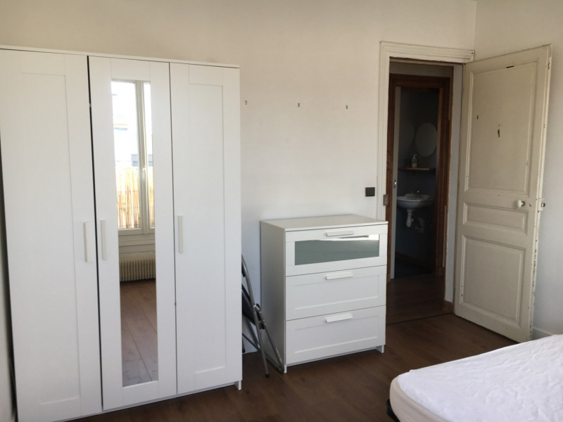 Location appartement Paris 18ème 920€ CC - Photo 8