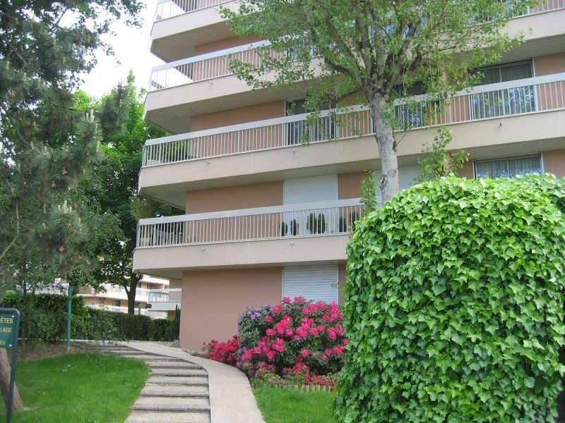 Location appartement Verrieres le buisson 1300€ CC - Photo 1