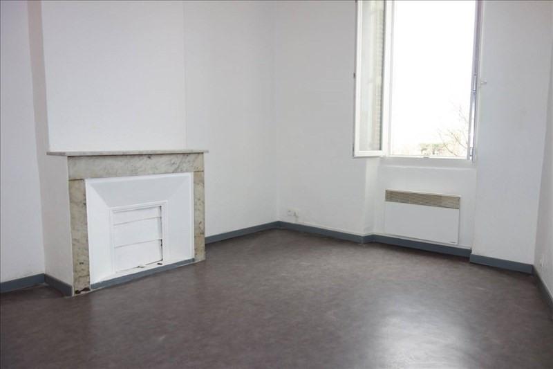 Location appartement Toulon 327€ CC - Photo 1