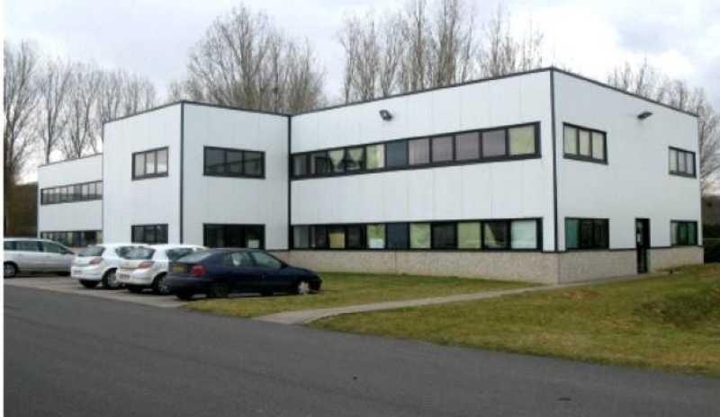 Location Local d'activités / Entrepôt Warluis 0