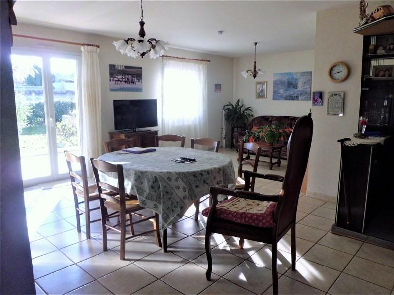 Sale house / villa Montaigut sur save 238350€ - Picture 4