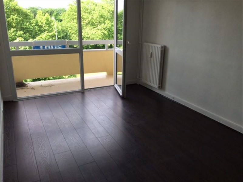 Location appartement Evry 722€ CC - Photo 2