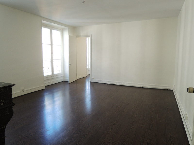Rental apartment Paris 9ème 1 738€ CC - Picture 1