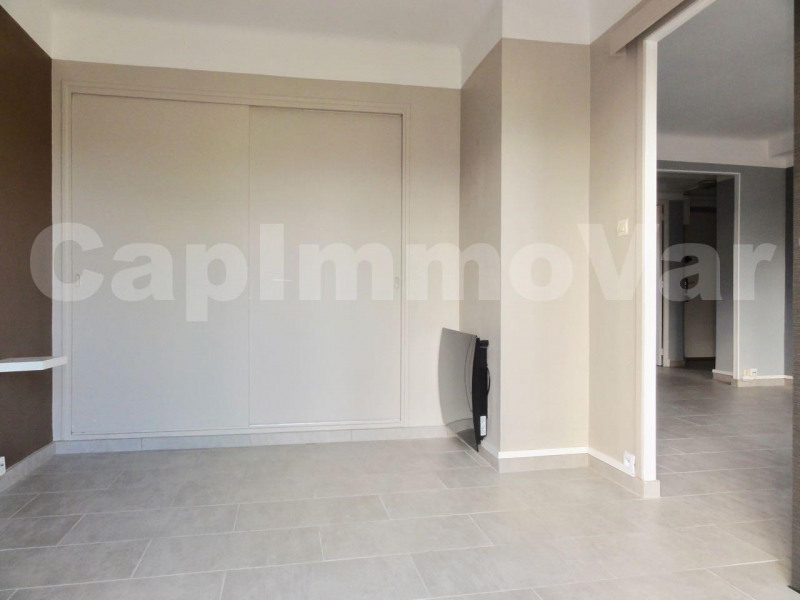 Rental apartment Toulon 640€ CC - Picture 2