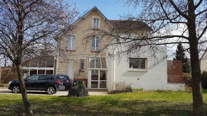 Deluxe sale house / villa Conflans sainte honorine 745000€ - Picture 2