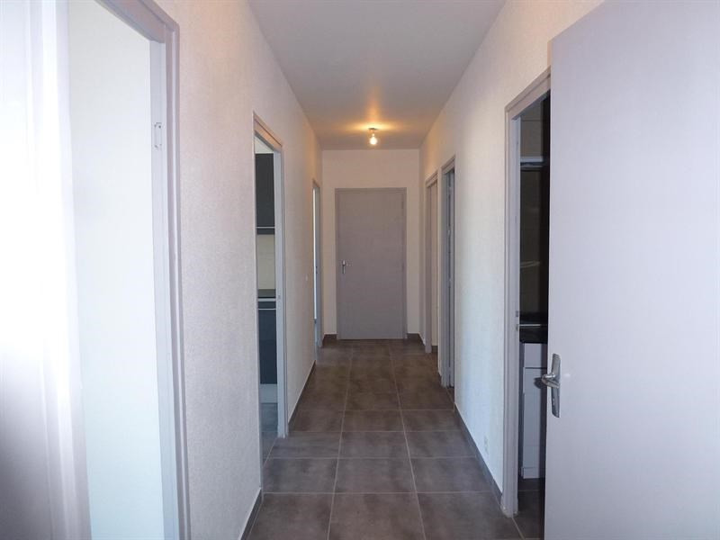 Rental apartment Chambéry 846€ CC - Picture 6