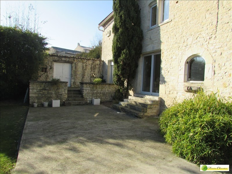 Deluxe sale house / villa Angouleme 430000€ - Picture 10