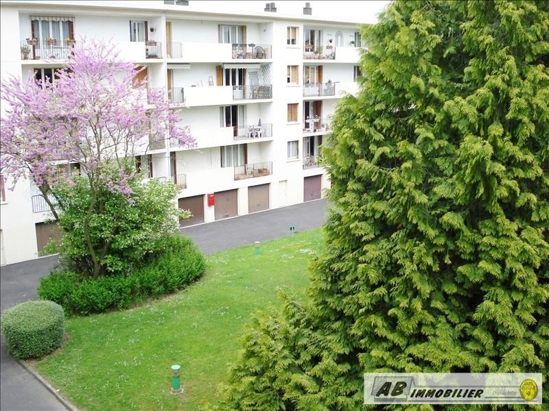 Rental apartment Les clayes sous bois 860€ CC - Picture 2