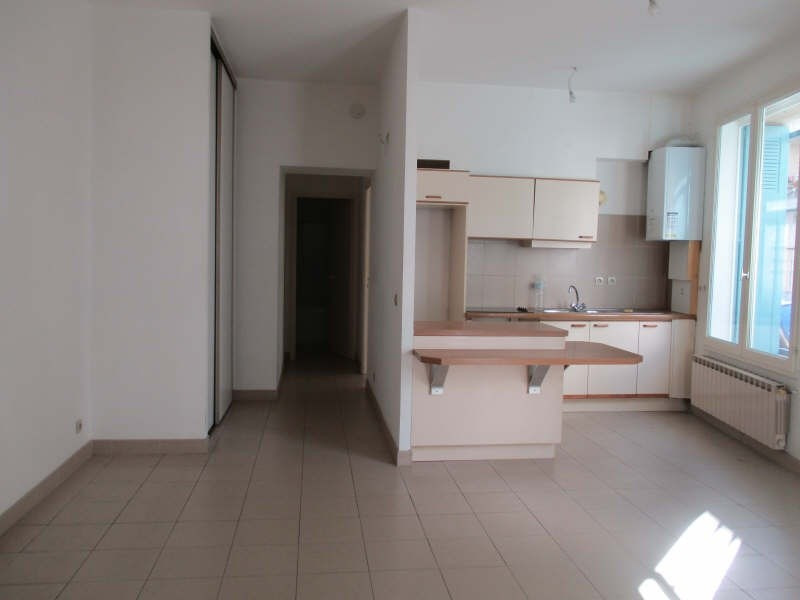 Rental apartment Nimes 455€ CC - Picture 3