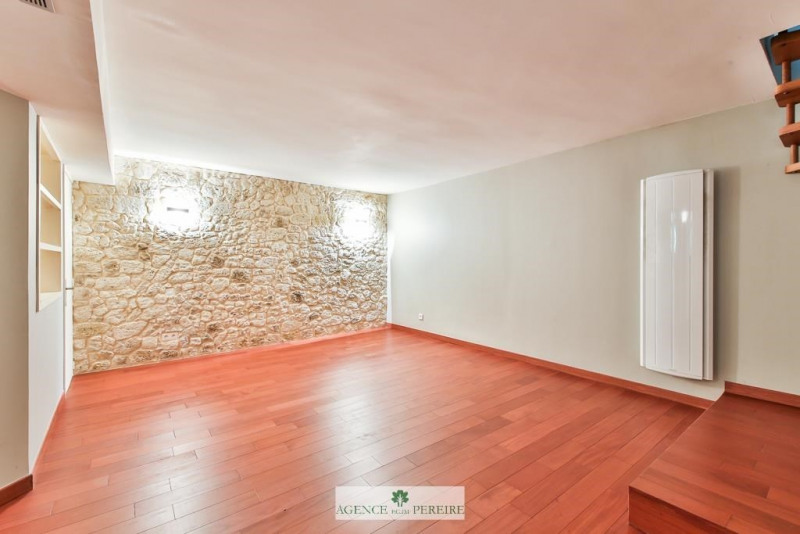 Location appartement Paris 17ème 1950€ CC - Photo 4