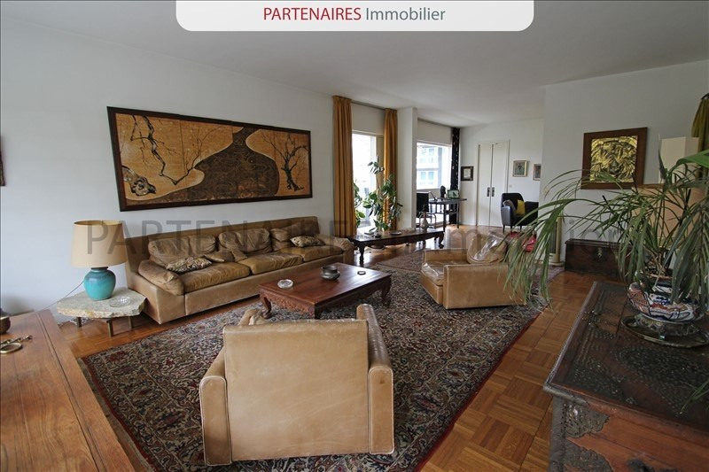 Sale apartment Rocquencourt 645 000€ - Picture 2
