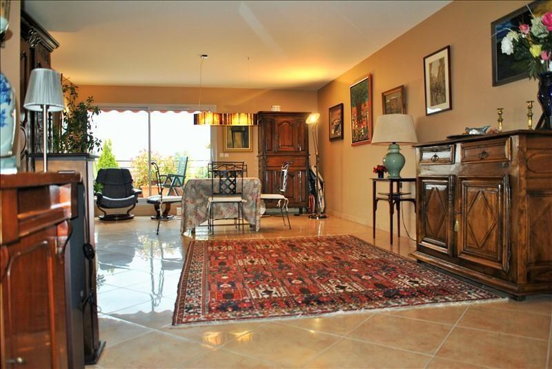 Deluxe sale apartment Roanne 385000€ - Picture 3