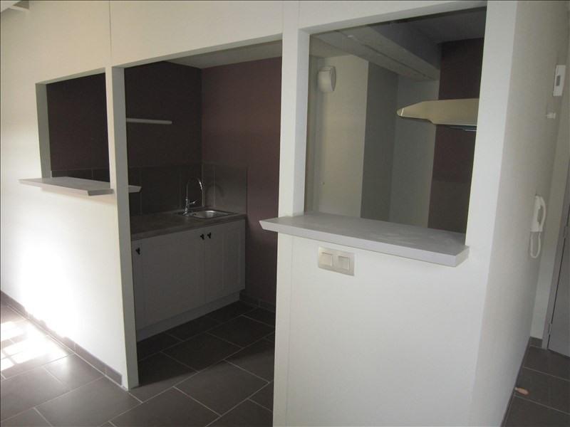 Rental apartment St cyprien 502€ CC - Picture 3