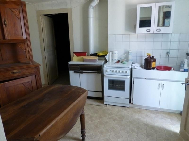 Sale house / villa St jean d angely 70200€ - Picture 2