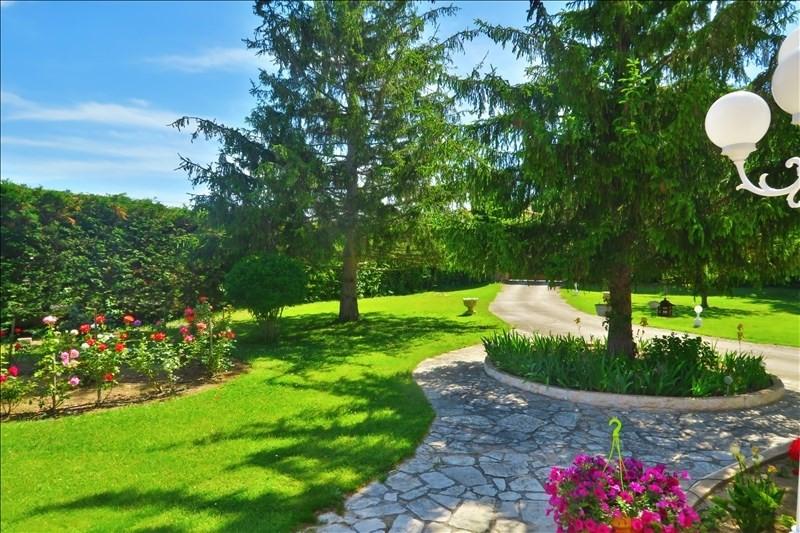 Deluxe sale house / villa Cabries 937000€ - Picture 1