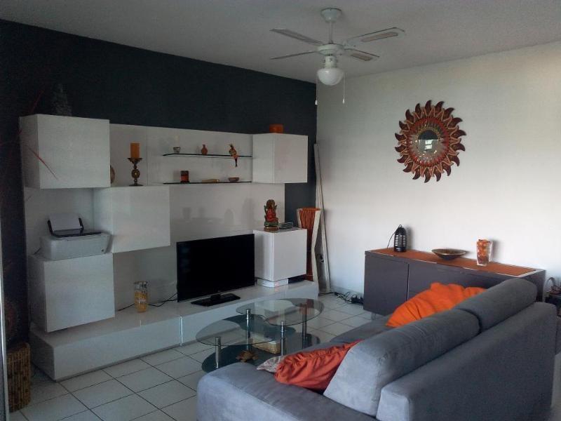 Location appartement Les trois ilets 1190€ CC - Photo 3