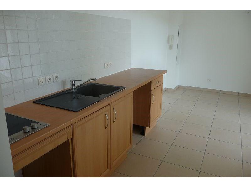 Location appartement La possession 511€ CC - Photo 3