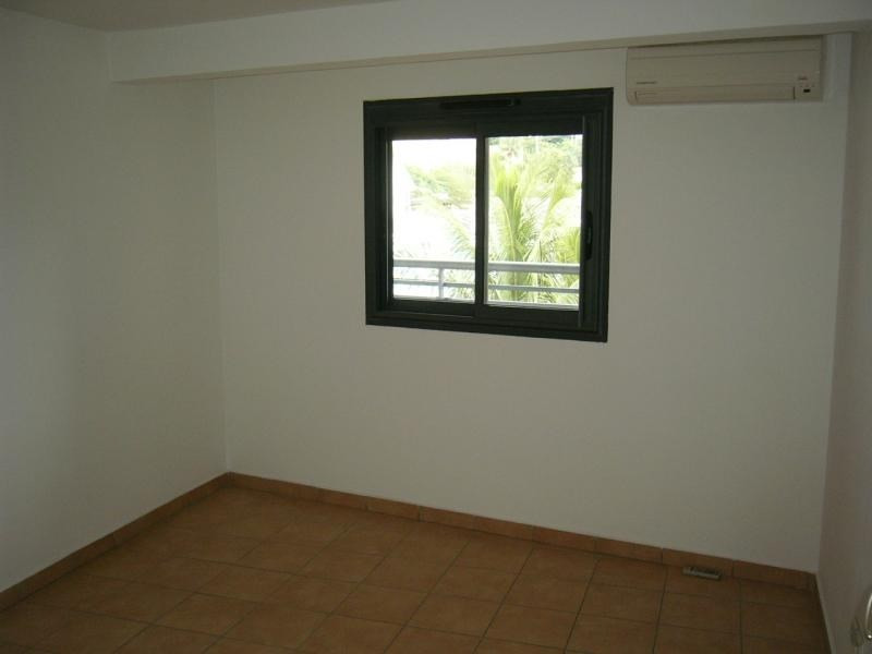 Location appartement Moufia 495€ CC - Photo 5