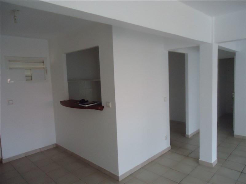 Sale apartment Sainte-anne 174000€ - Picture 3