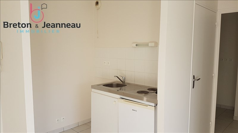 Location appartement Le bourgneuf la foret 397€ CC - Photo 2