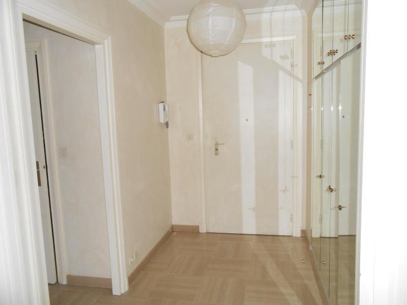 Location appartement Lyon 6ème 1073€ CC - Photo 2