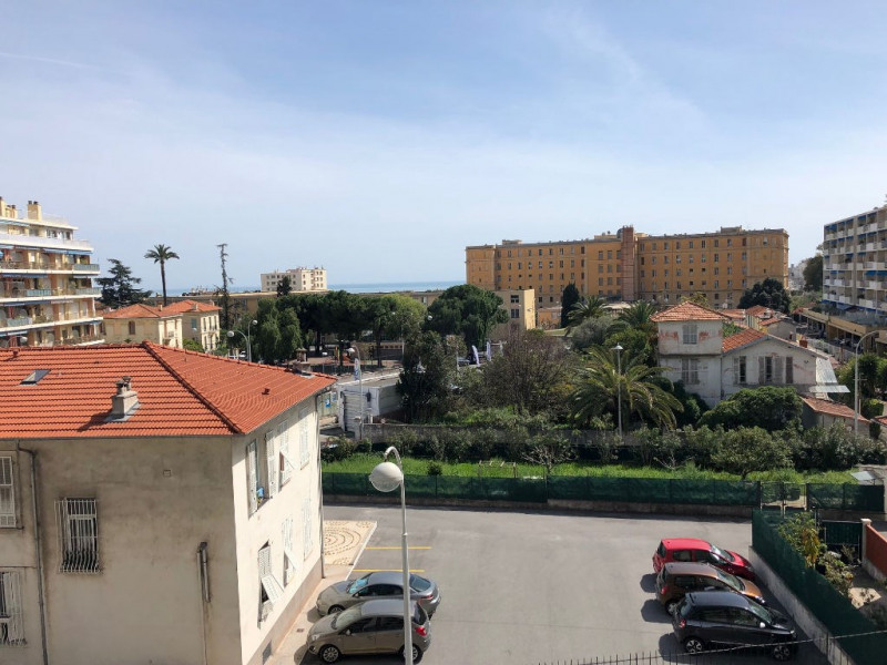 Location appartement Nice 1 250€ CC - Photo 5