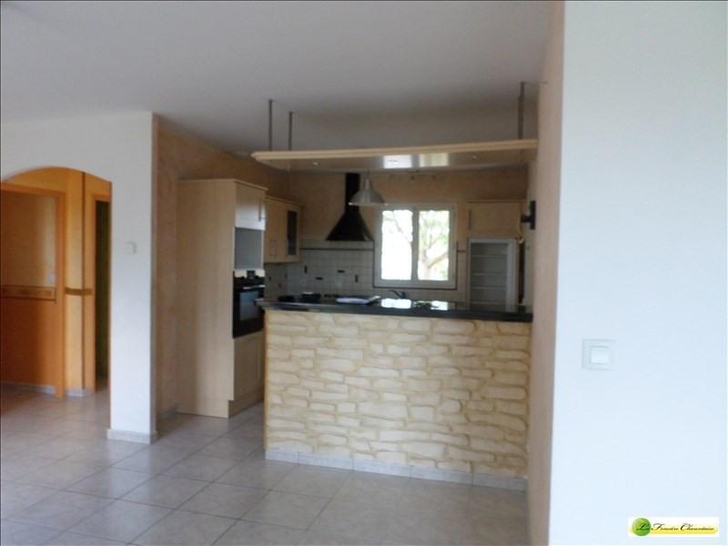 Sale house / villa Roullet st estephe 185000€ - Picture 4