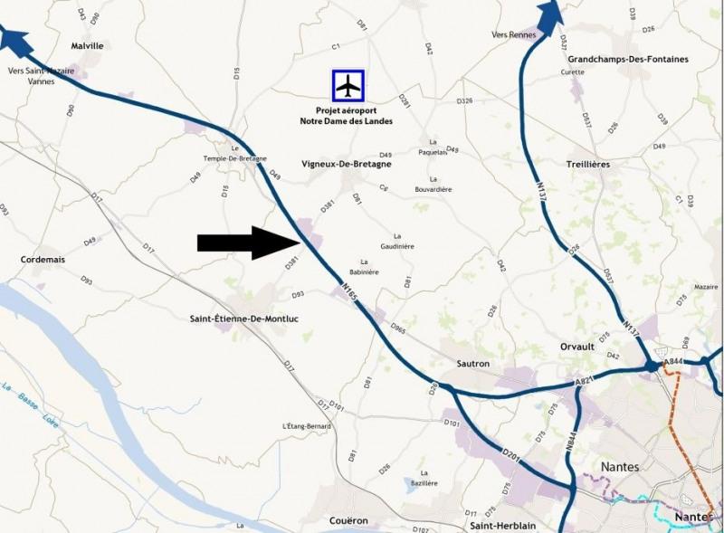 Location Local d'activités / Entrepôt Saint-Étienne-de-Montluc 0