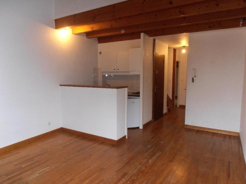 Location appartement Nantua 377€ CC - Photo 1