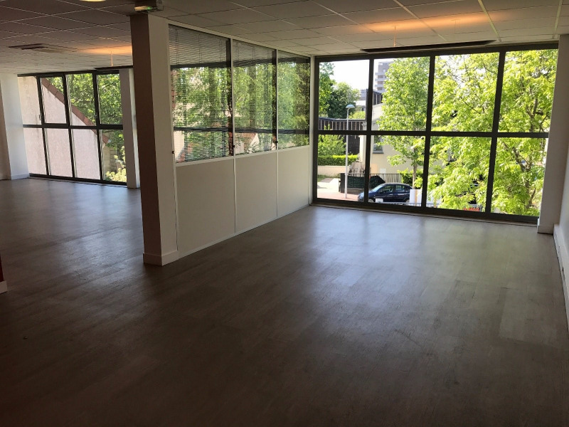 Sale office Nanterre 1 704 000€ - Picture 2