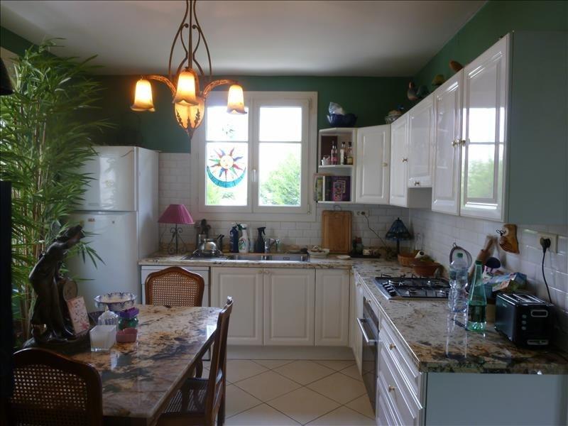 Sale house / villa Poissy 450000€ - Picture 1